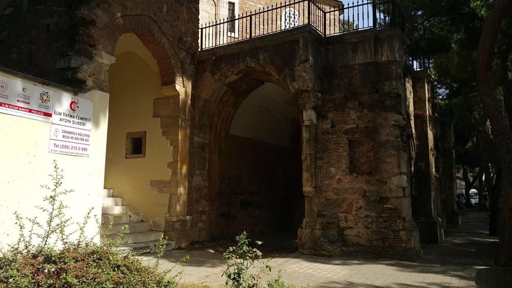 Tarihi Cihanoğlu Külliyesi'nin duvarlarına yazı yazılmasına tepki - 12
