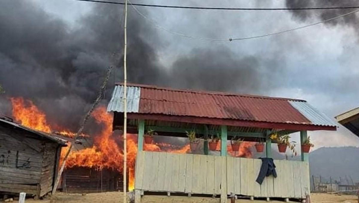 Myanmar'da darbe direnişçileri polis karakolunu yaktı