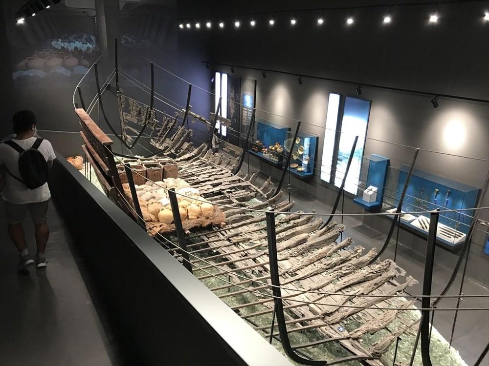 Doğu'dan Batı'ya uzanan deniz ticaretinin izleri cam batıkta - 5