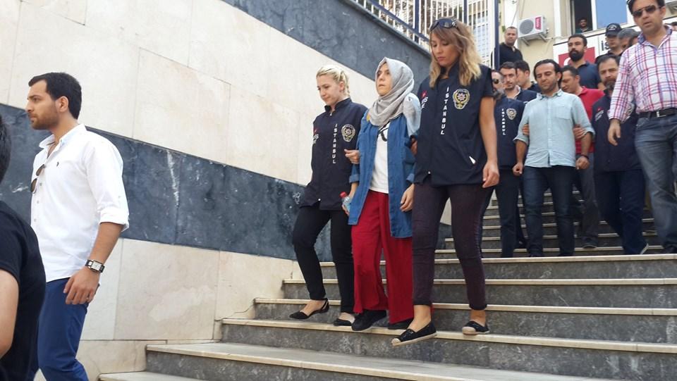 Gayrettepe Emniyet'ten adliyeye götürülen gazeteciler...