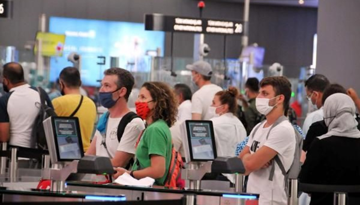 İstanbul Havalimanı'nda bayram öncesi yoğunluk: İki günde 2 bin 122 uçuş
