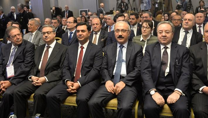 Bakan Elvan: Çukurova Havalimanı altyapısı haziran sonu bitiyor