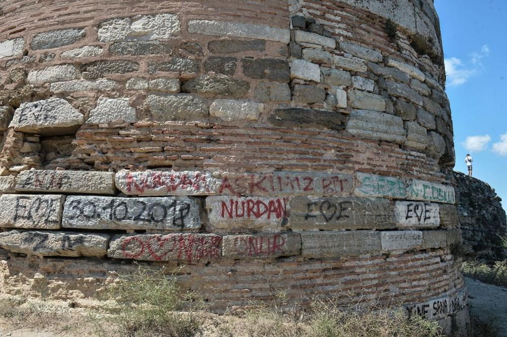 Tarihe tanıklık eden Yoros Kalesi'ni harabeye çevirdiler - 2