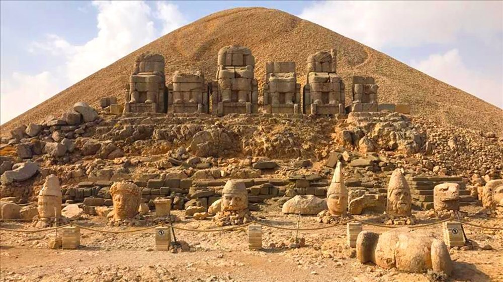 Kralların ve tanrıların taşlaştığı yer Nemrut - 7