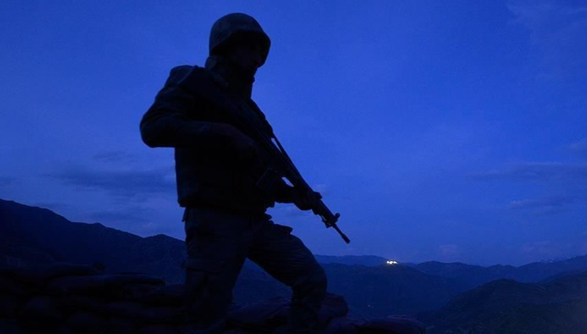 SON DAKİKA:MSB: Pençe-Yıldırım harekat bölgesinde bir asker şehit oldu, iki asker yaralandı