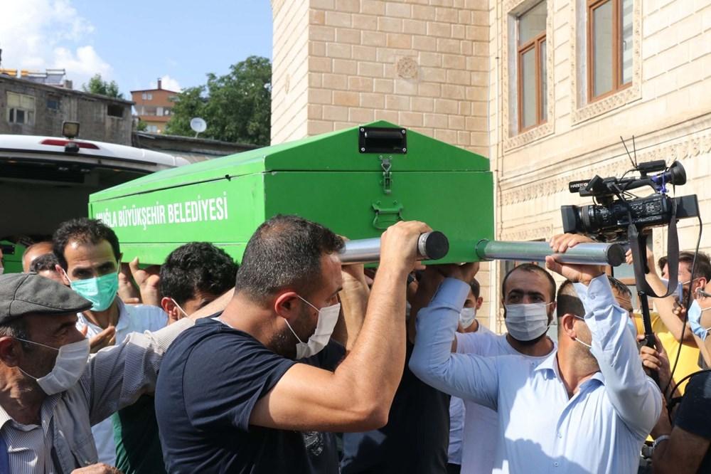 Hüzünlü veda: Pınar Gültekin son yolculuğuna uğurlandı - 8