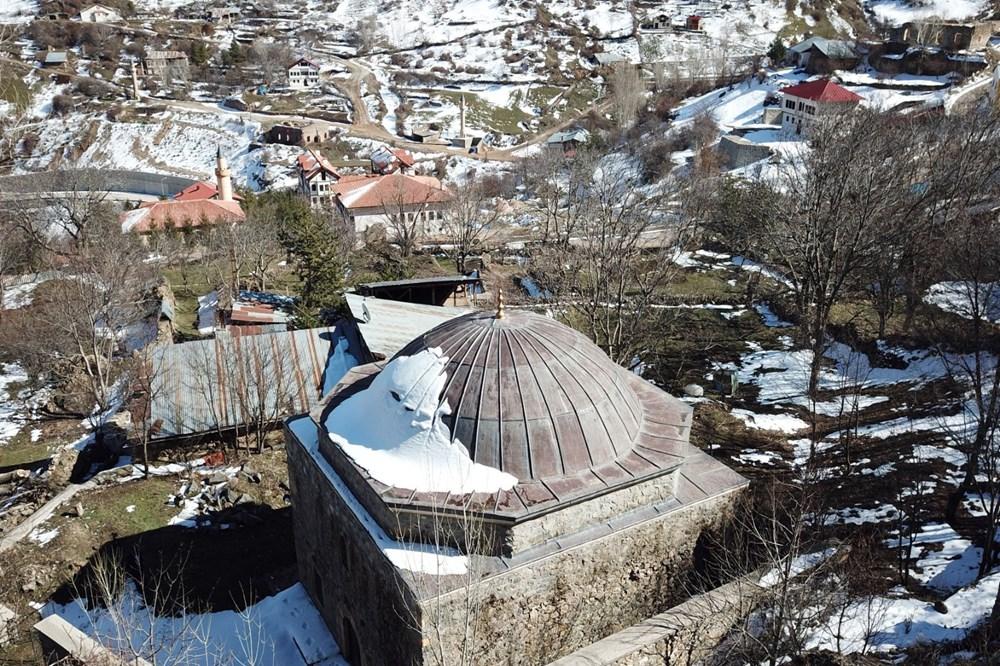 Gümüşhane'deki 800 yıllık ecdat yadigarı camiye eksik restorasyon iddiası - 2