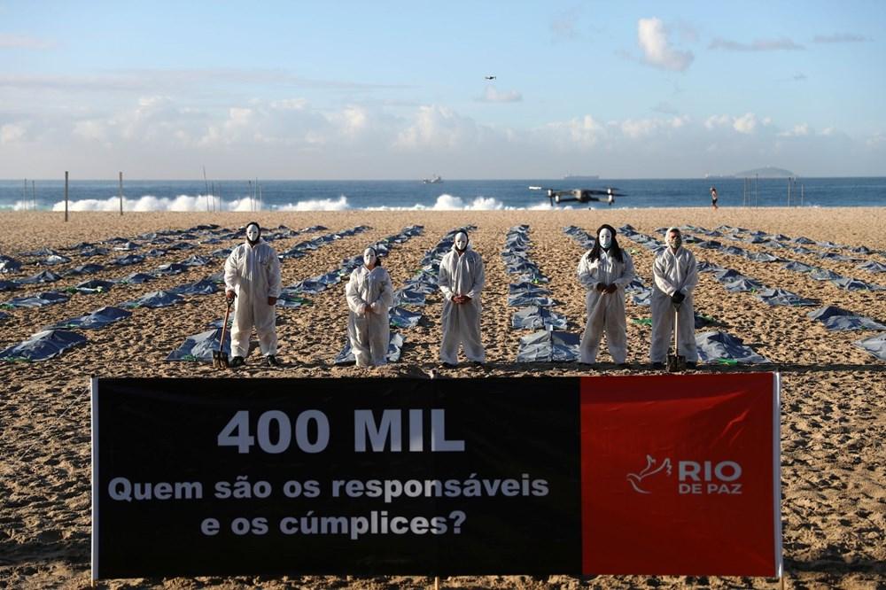 Brezilya'nın Copacabana plajında ceset torbaları - 4