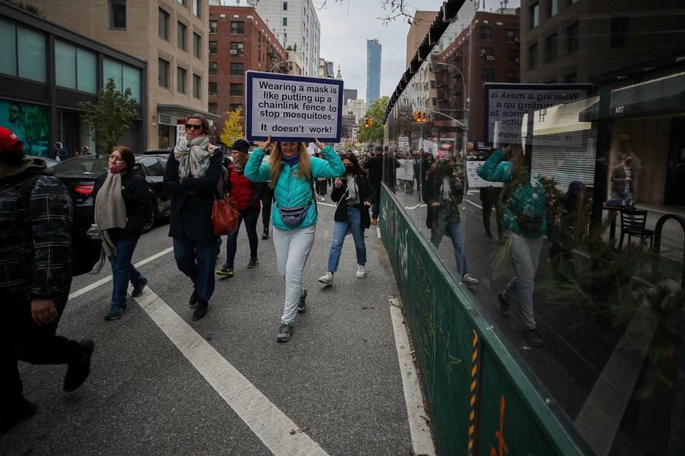New York'ta karantina karşıtları maske yaktı - 17