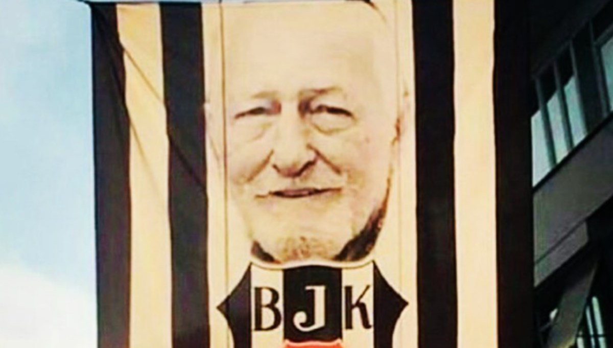 Ünlülerden Beşiktaş'ın şampiyonluk paylaşımları