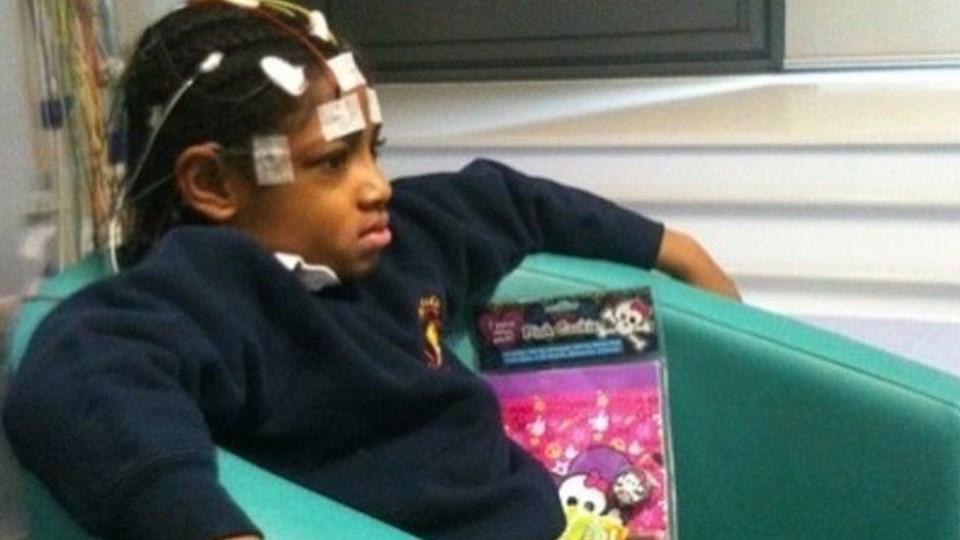 9 yaşındaki Ella, ölmeden önce solunum problemleri nedeniyle engelli olaraksınıflandırılmıştı.