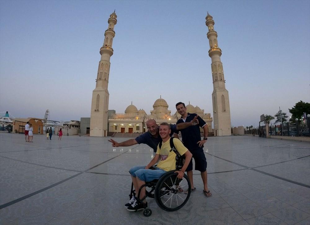 Gezme aşkı engel tanımadı: Hırvat seyyah, tekerlekli sandalyesiyle dünyayı geziyor - 7