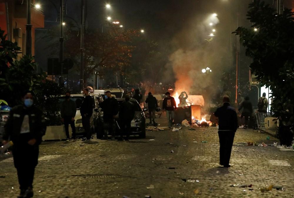 İtalya'nın Napoli kentinde sokağa çıkma yasağı olaylı başladı - 8