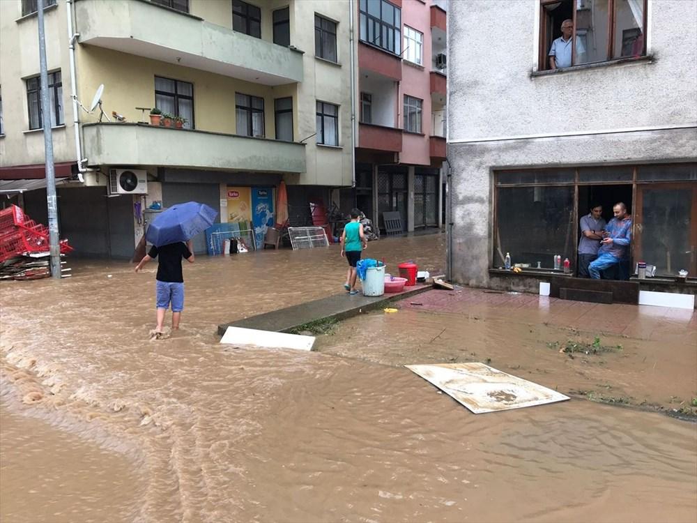 Rize ve Artvin'de beklenen yağış başladı: Arhavi'de iki mahalleyi su bastı - 5
