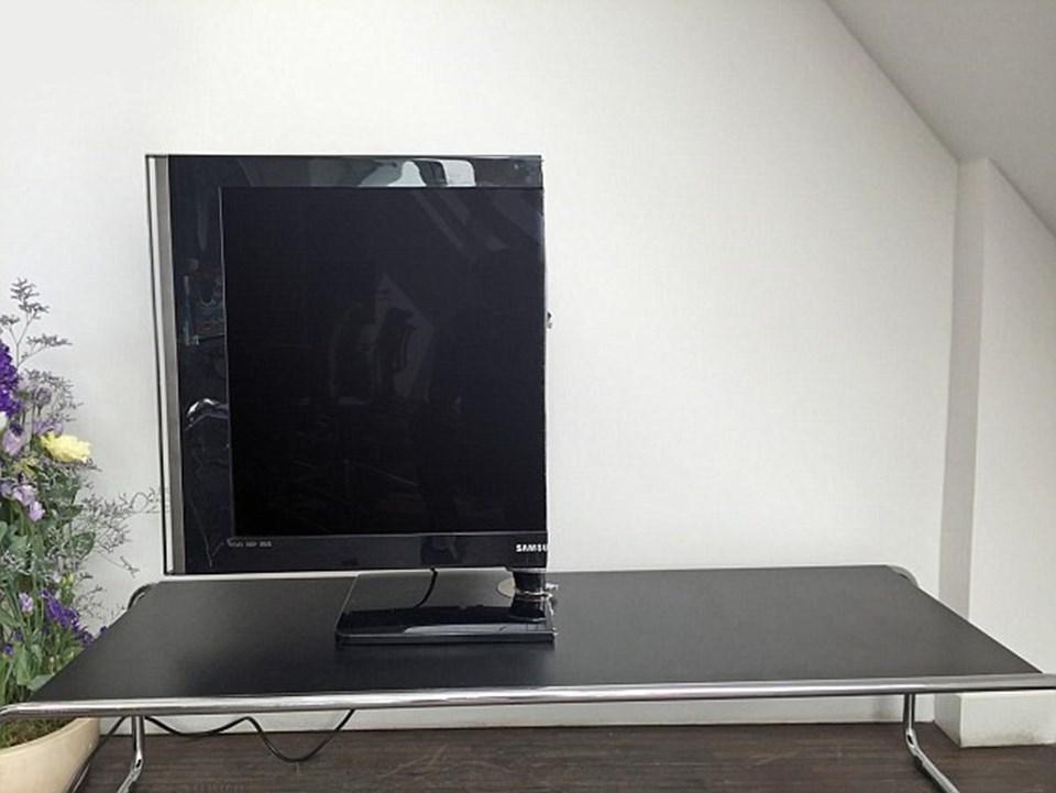 İkiye bölünen televizyonun fiyatı ise 3 TL olarak belirlendi.