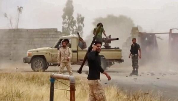 Libya'nın doğusundaki gayrimeşru silahlı güçlerin lideri Halife Hafter'e bağlı milisler, Berlin Konferansı'nın ardından başkentin güneyindeki Selahaddin bölgesinde havan saldırısıyla ateşkesi ihlal etti.