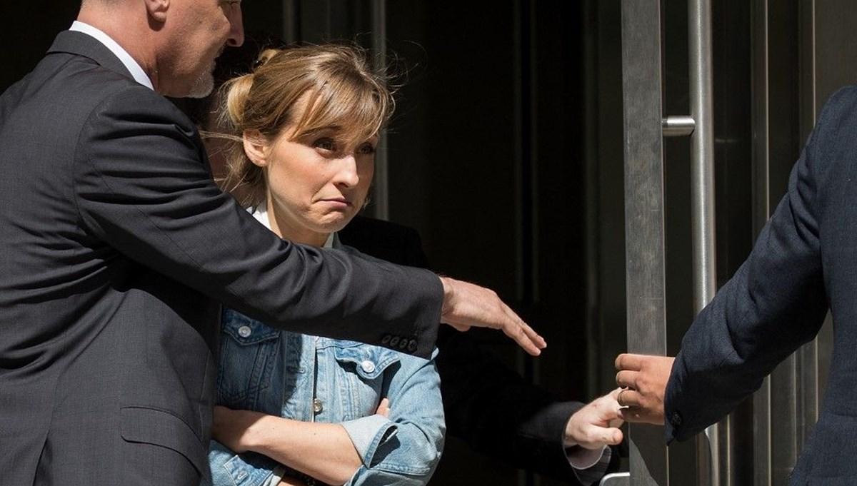 Tarikata üye sağlayan oyuncu Allison Mack'e hapis