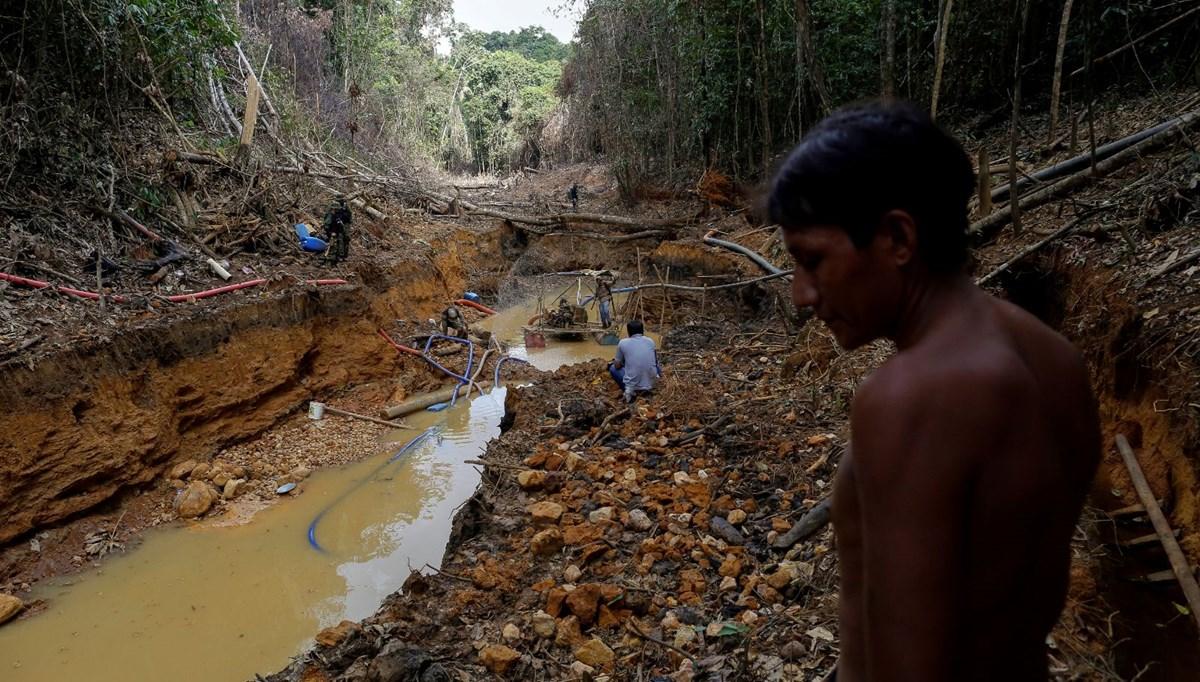 Altın madencileri Amazon yerlilerine otomatik silahlarla saldırıyor: