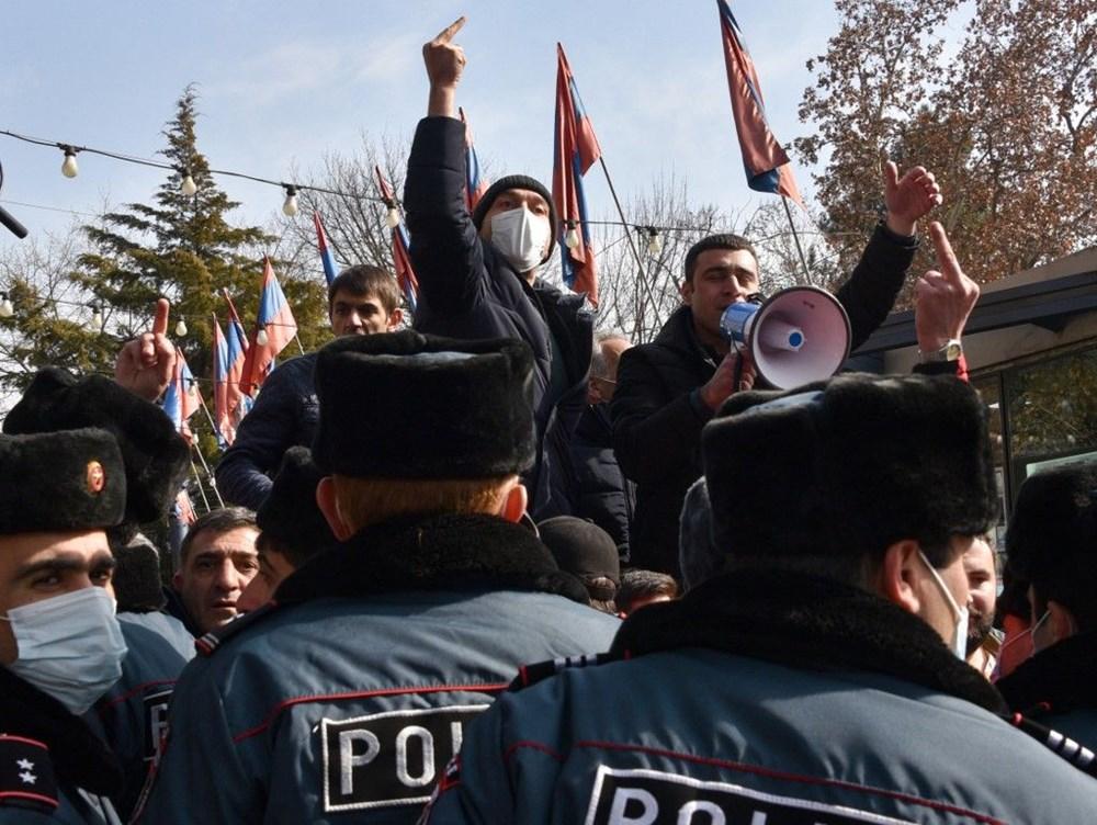 Ermenistan'da darbe girişimi: Paşinyan destekçileri ve karşıtları meydanlara çıktı - 22