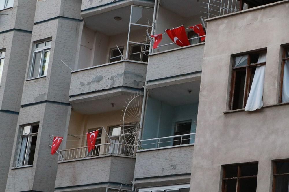 İskenderun'da patlamanın yaşandığı caddede teröre 'Türk bayraklı' tepki - 6