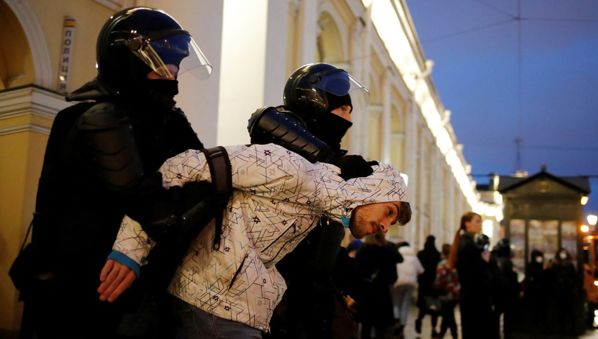 Number of detentions exceeded one thousand in Navalni protests in Russia