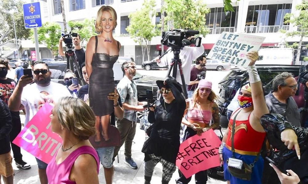 Britney Spears babasına açtığı vasilik davasında konuştu: Bana ilaçlar vererek beni uyuşturuyor - 7