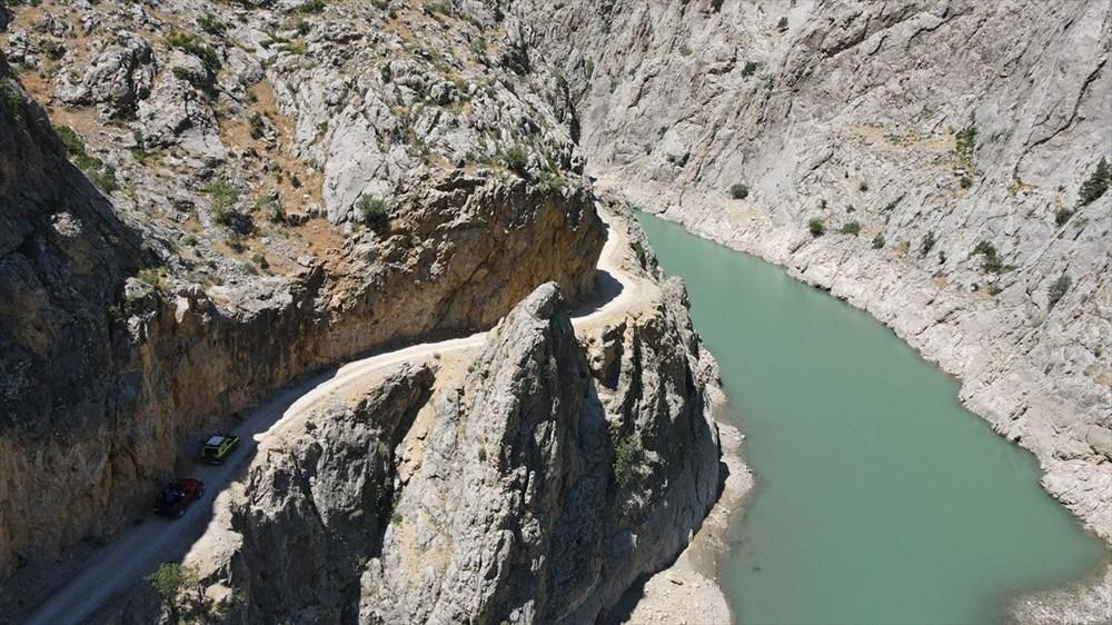 Erzincan'da yürekleri ağza getiren 'Taş Yolu': 132 yılda yapıldı - 17