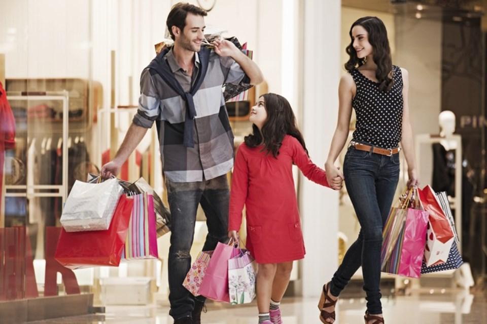 Perakende alışveriş, her geçen gün online alışverişekarşı pazarkaybediyor.