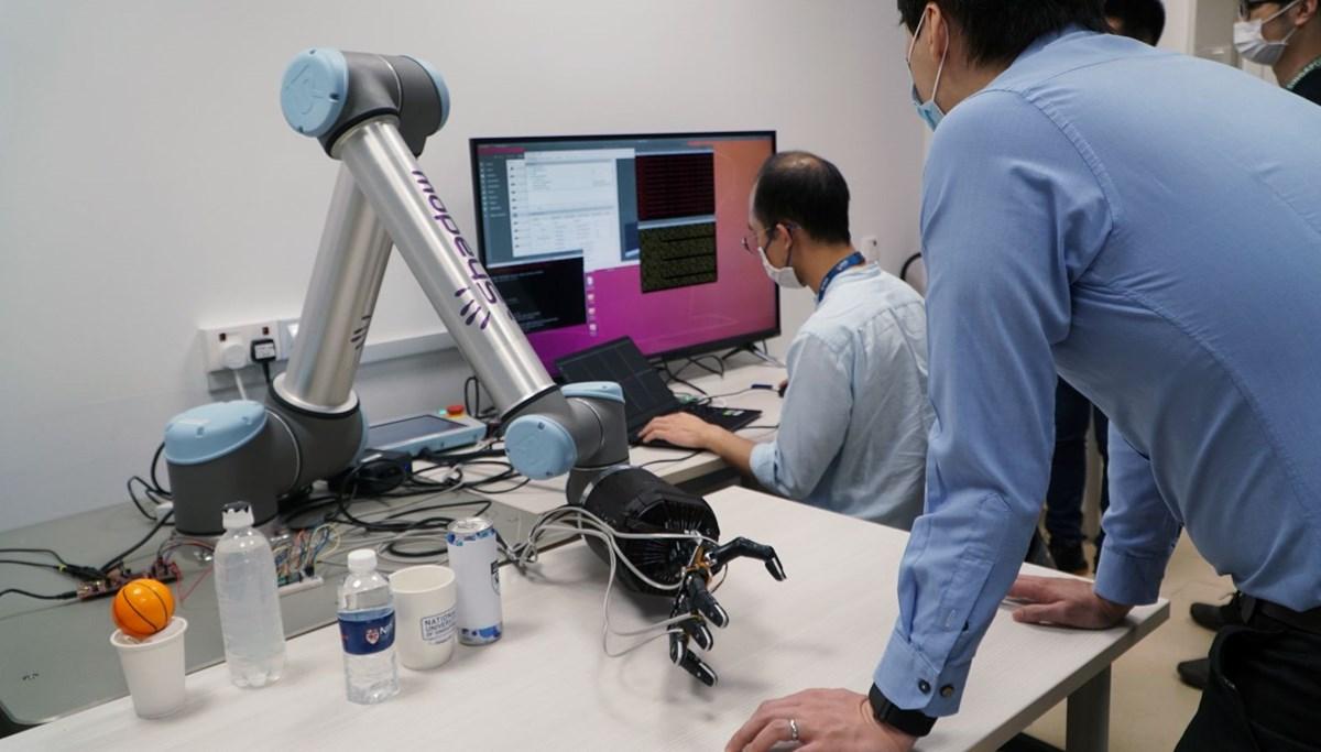Singapurlu araştırmacılar, insan derisi gibi kendi kendini onarabilen madde geliştirdi