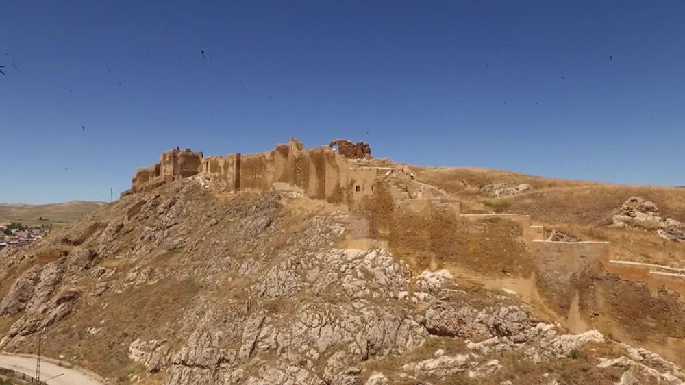 Bayburt Kalesi'nde tarihi kalıntı ve eserlere ulaşıldı - 6