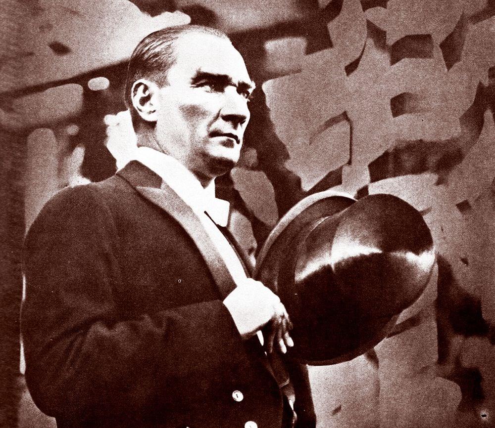 Mustafa Kemal Atatürk'ün ebediyete intikalinin 82. yılı (10 Kasım 1938) - 5
