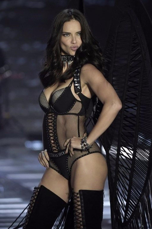 39. yaşına özel 39 fotoğrafla Adriana Lima - 37