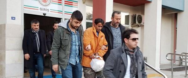 24 yıl sonra suçlarını itiraf eden baba oğul tutuklandı