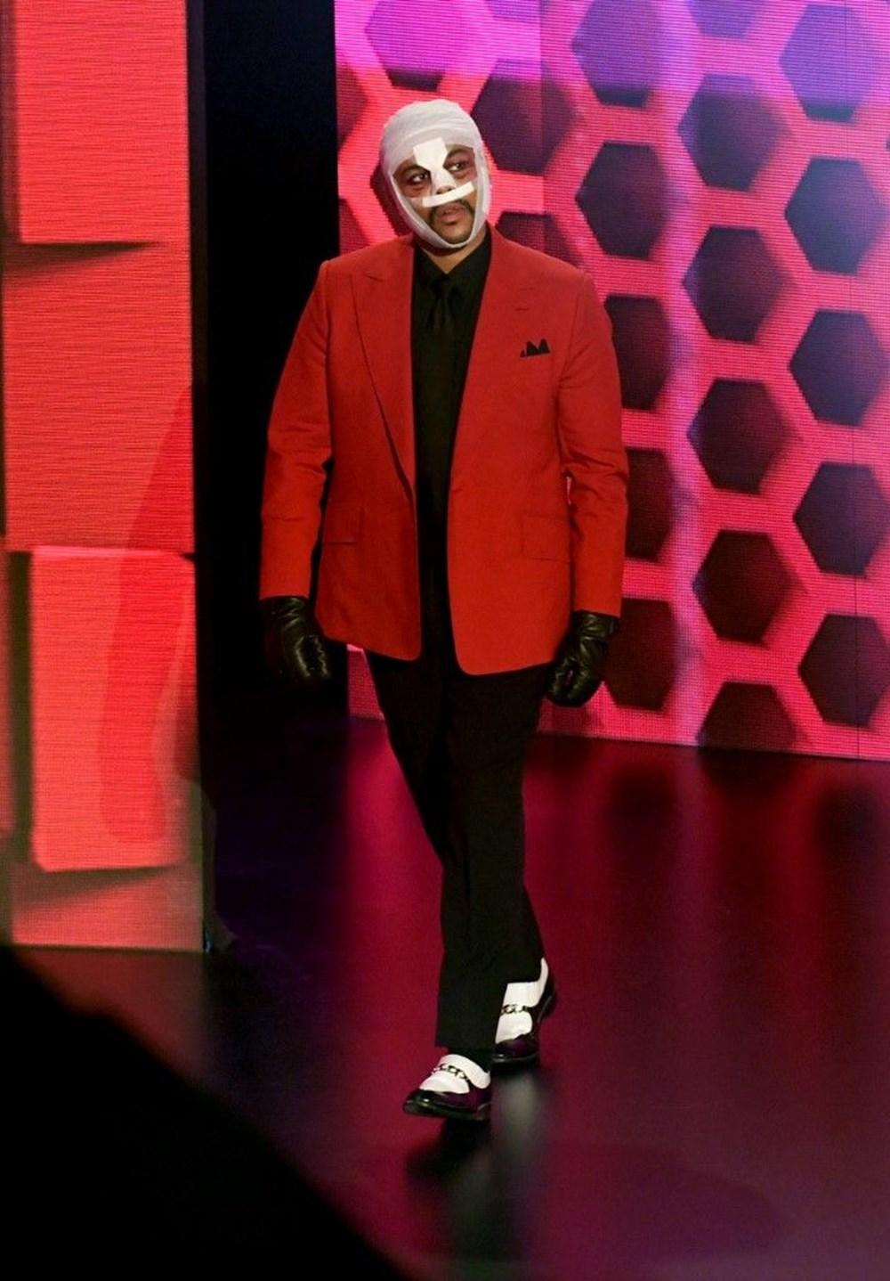 The Weeknd yüz bandajı kullanmasının nedenini açıkladı - 6