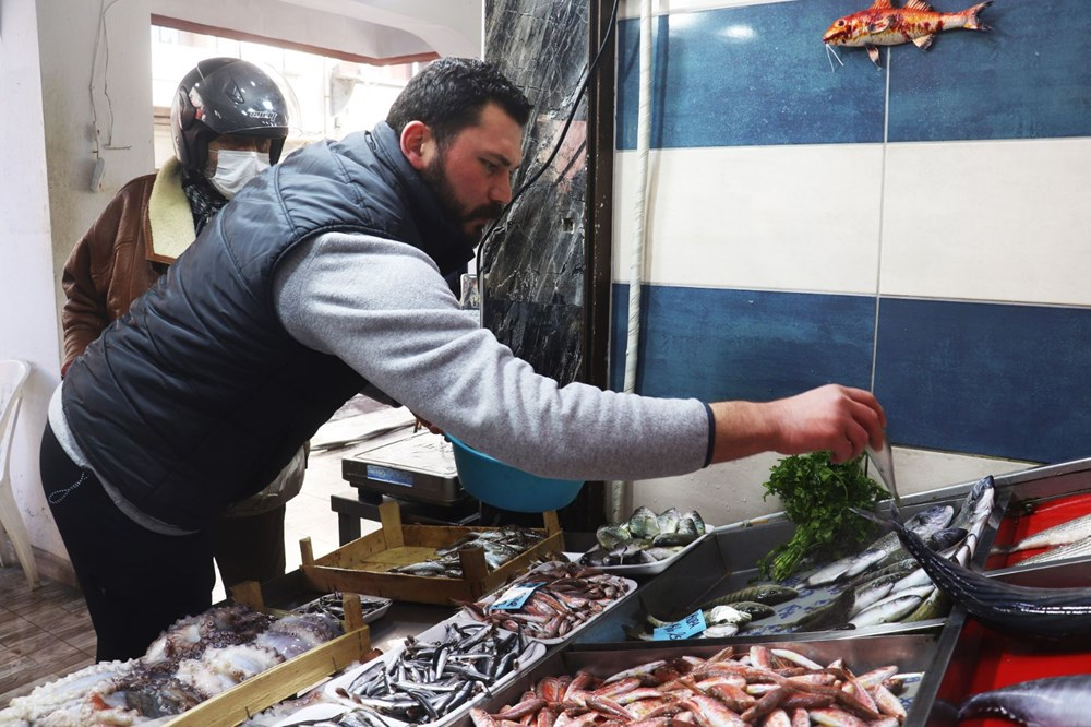 Çanakkale'de havalar ısındı balık tezgahları doldu, fiyat düştü - 7