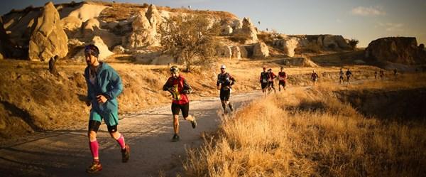 Salomon Cappadocia Ultra-Trail 2019'da 119 km'lik parkuru Fransız Yannıck Noel birinci bitirdi