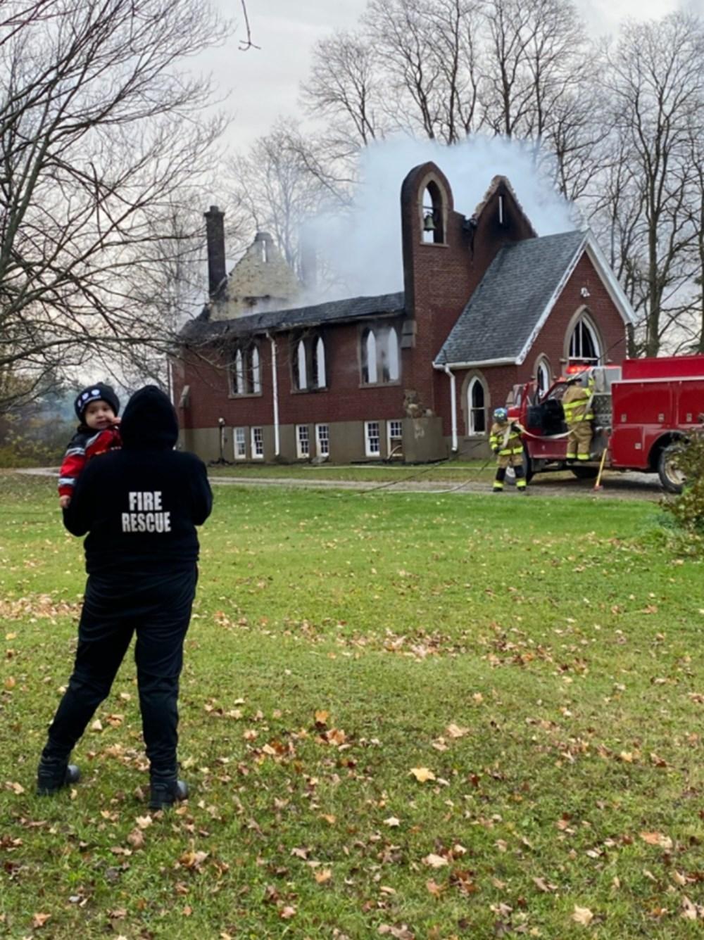 Kanada'da Katolik kiliseleri ateşe veriliyor - 2
