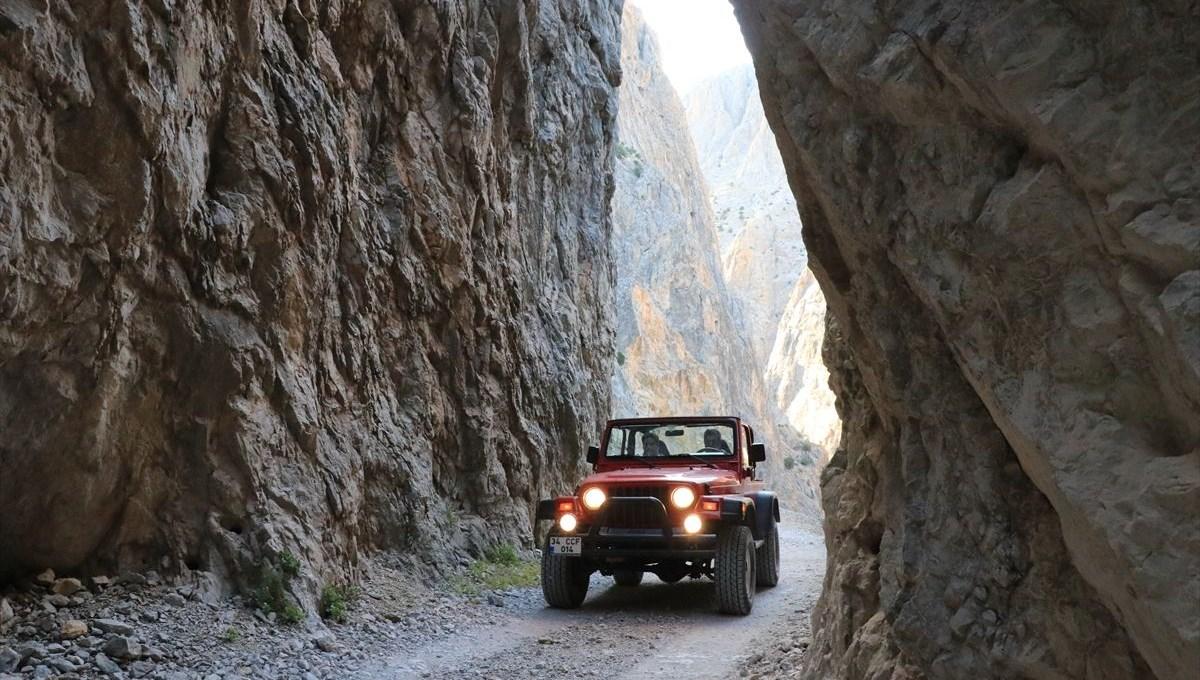 Heartbreaking 'Taş Yolu' in Erzincan welcomes adrenaline enthusiasts