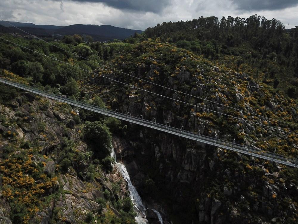 Yayalara özel en uzun asma köprü açıldı - 11