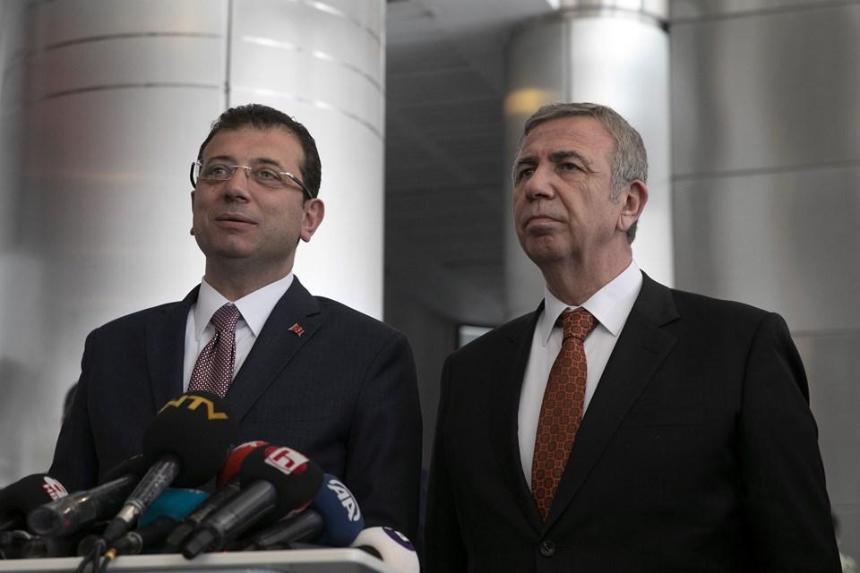 İstanbul Büyükşehir Belediye Başkanı Ekrem İmamoğlu ile Ankara Büyükşehir Belediye Başkanı Mansur Yavaş.