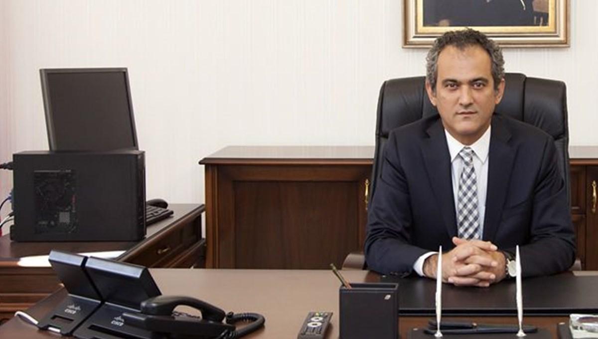 Milli Eğitim Bakanı Özer'den çevrim içi sınav açıklaması