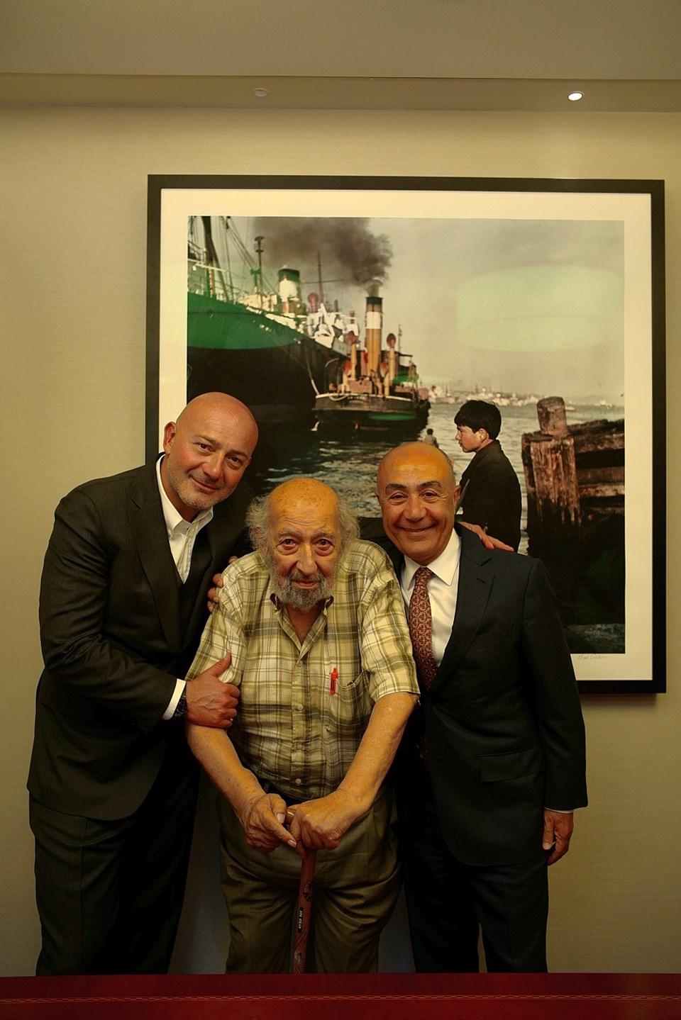 Ferit F. Şahenk, Ara Güler ve Hüsnü Akhan uluslararası fotoğraf müzesiimza töreninde.
