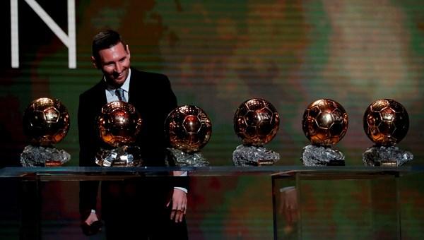 Ballon d'Or (Altın Top) ödülü 6. kez Messi'nin (Ronaldo'yu geçti)
