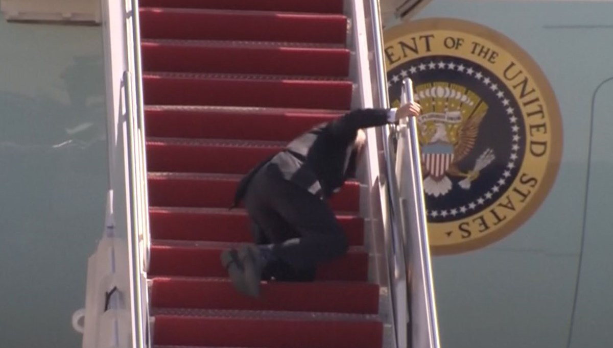 Biden fell as he climbed the stairs