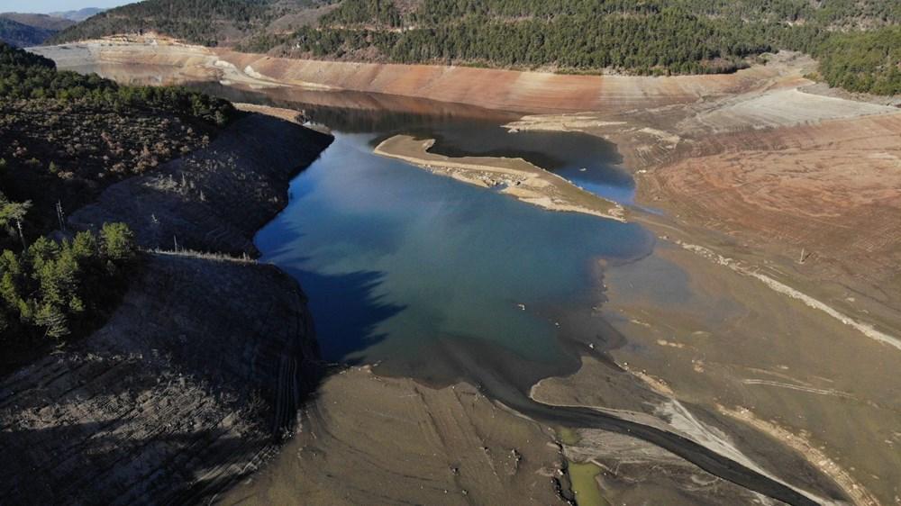 Bursa'nın su ihtiyacını karşılayan barajda su oranı yüzde 5'e düştü - 5