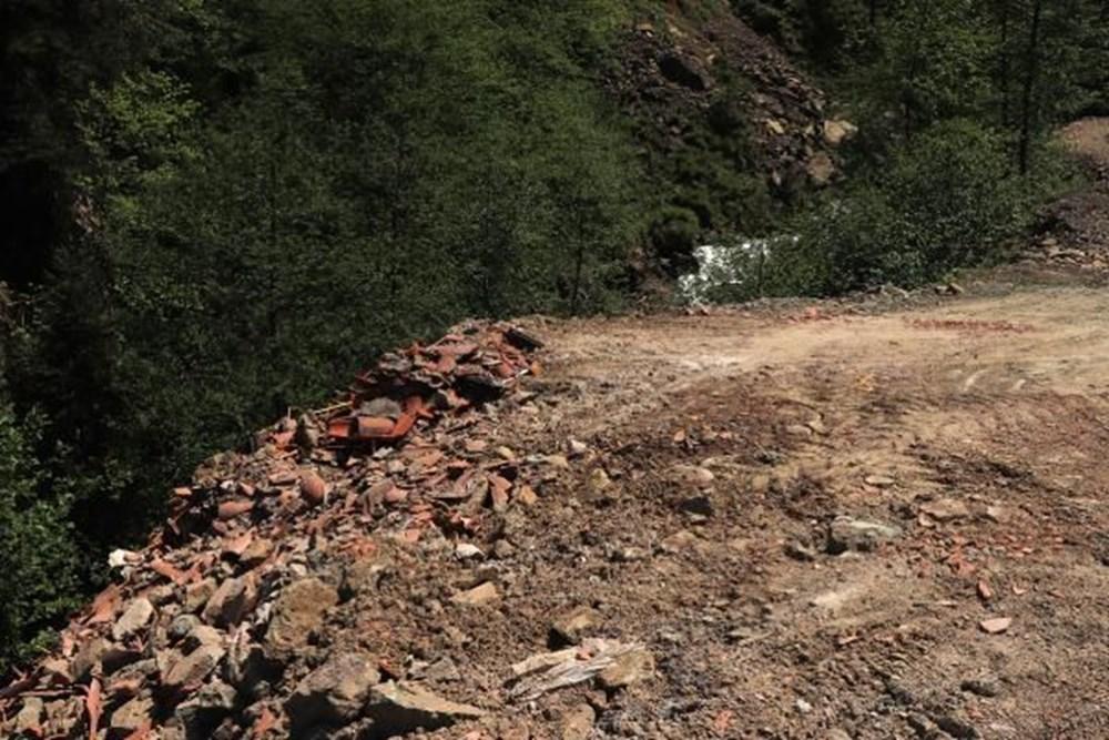 Sümela'da restorasyon atıklarını dereye döktüler - 9