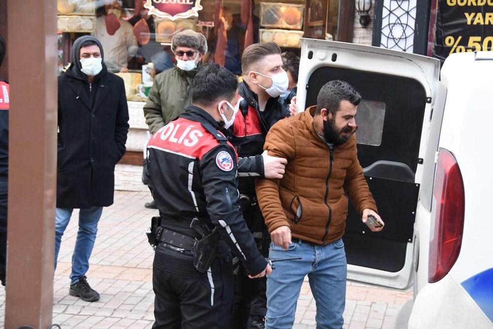 Çevredeki MOBESE ile güvenlik kameralarının görüntüleri incelemeye alan polis ekipleri, cinayetlerin ortaya çıkmasının ardından olay yerinde kendisini yere atarak gözyaşı döken İlkay Tokkal'ın eski iş ortağı Mehmet Şerif Boğa'nın katil zanlısı olduğunu tespit etti.