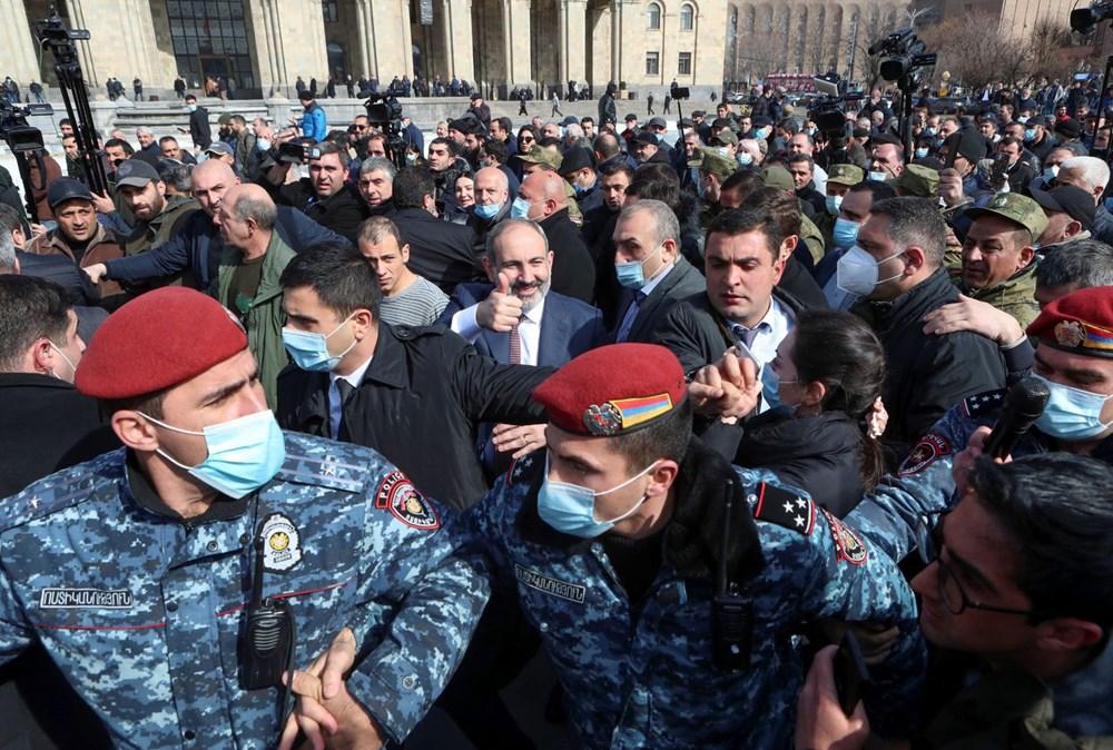 Ermenistan'da darbe girişimi: Paşinyan destekçileri ve karşıtları meydanlara çıktı - 9