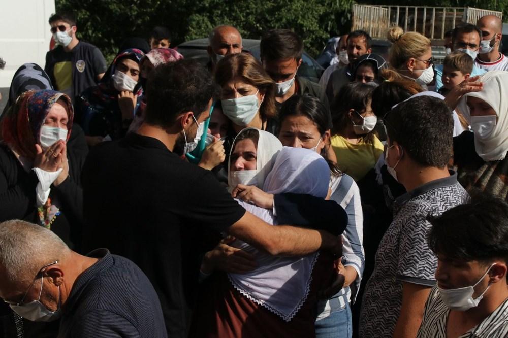 Hüzünlü veda: Pınar Gültekin son yolculuğuna uğurlandı - 16