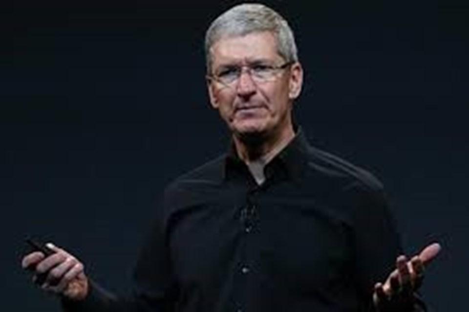 Steve Jobs'un ölümünün ardından Tim Cook Apple CEO'su olmuştu.